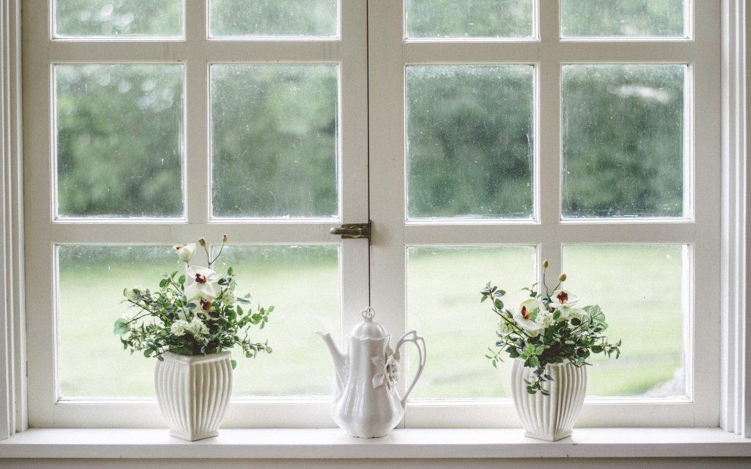прозорец на къща